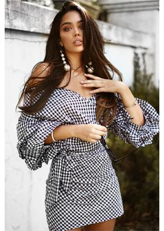 This chic dress teaches us a serious lesson in effortless glam. White Fashion, Love Fashion, Gown Dress Online, Janice Joostema, White Dress Summer, Gingham Dress, Going Out Dresses, Beautiful Long Hair, Party Dresses For Women