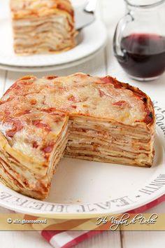 Crepes tomato and mozzarella cake - Food:) - Mozzarella, Gourmet Recipes, Cooking Recipes, Banana Pudding Recipes, Quiche, Crepe Recipes, Creative Food, Street Food, Love Food