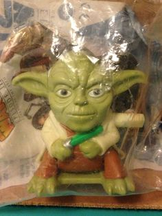 2005 Burger King Kid's Meal Star Wars Episode III ROTS Back Flipping Yoda Toy