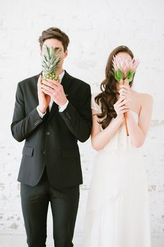 modern tropical wedding inspiration - photo by Blush Wedding Photography http://ruffledblog.com/modern-tropical-wedding