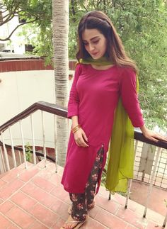 Iqra Aziz dresses are finest and lavish. All the dresses are stitched and picked in order to every event. Pakistani Fashion Casual, Pakistani Street Style, Asian Fashion, Fashion Beauty, Award Show Dresses, Iqra Aziz, Thing 1, Desi Wear, Pakistani Actress