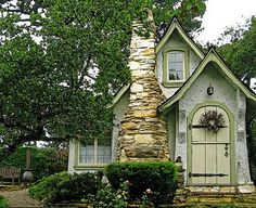 Real fairy tale houses from picscrunch.blogspot.com