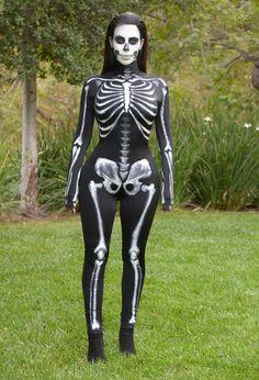 Kim Kardashian et son déguisement de squelette en 2014