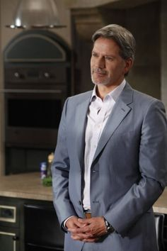 Campbell Scott in Royal Pains