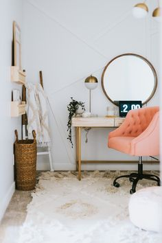 Modern Den Makeover for under We hired Havenly design service to help us design it. Minimalist Bedroom Boho, Minimalist Home, Minimalist Interior, Workspace Inspiration, Room Inspiration, Modern Home Offices, Home Office Decor, Home Decor, Office Den