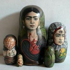 Variations on a Theme ∷ Collection of Frida Kahlo Matryoshka Dolls Diego Rivera, Natalie Clifford Barney, Mexican Artists, Mexican Folk Art, Frida And Diego, Frida Art, Matryoshka Doll, Expo, Art Dolls