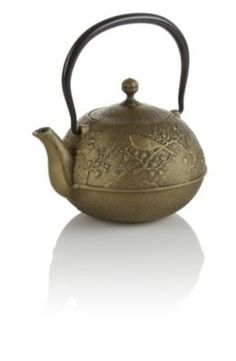 Maromi Bird Cast Iron Teapot - beautiful idea to keep my tea warm and bonus, it matches my kitchen decor :-)