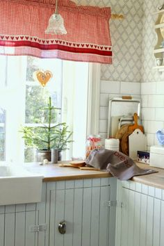 Natural Texture, Valance Curtains, Kitchens, Porcelain, Boards, Christmas, Home Decor, Creative, Planks