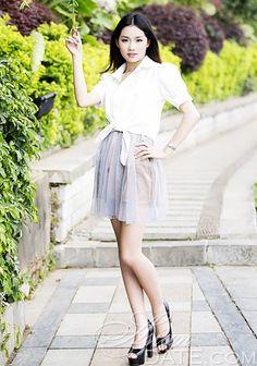 Milhares de lindas fotos: atraente mulher tailandesa Chun Qian de Chongqing