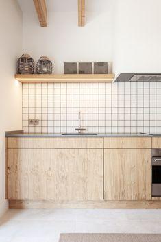 3 Simple Improvement Ideas For Your Kitchen Space – Home Decor World Plywood Kitchen, Sweet Home, Interior Architecture, Interior Design, Küchen Design, Villa Design, Cuisines Design, Kitchen Styling, Kitchen Interior