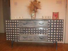 shabby chic sideboard/dressing table