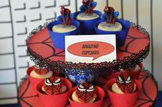 Cupcake: 50 Ideias para festa do Homem Aranha, confira: http://www.gemelares.com.br/2013/07/festa-homem-aranha.html