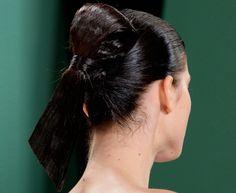 Rechtstreeks van de catwalks van New York: de mooiste coiffures voor de zomer van volgend jaar. Om alvast naar uit te kijken of om meteen al te prob...