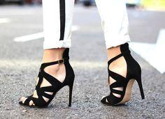 Gloria Kalil indica quais os modelos de sandália que são mais bem-vindos no ambiente de trabalho formal   Chic - Gloria Kalil: Moda, Beleza, Cultura e Comportamento