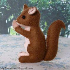DIY Felt Squirrel Stuffed Animal - FREE Pattern and Tutorial