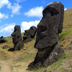 """The curious Moai (monolithic statues) of the Rapa Nui people, on Easter Island, Polynesia. hough moai are whole-body statues, they are commonly referred to as """"Easter Island heads"""". Easter Island Moai, Easter Island Statues, New Seven Wonders, Wonders Of The World, Rafting, Thailand Beach, Places To Travel, Places To See, Mysterious Places"""