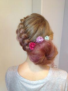 Hair chalk will make your hairdo to go next level. #hairdo #hairchalk #glitterhaireverywhere #hair #curls #curly #curl #ombre #braid #braided #hairbun #bun #hairdecoration #hairdecorations