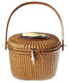 Farnum Nantucket Basket Handbag A truly authentic replica of the original Lightship basket, popularly known as a Nantucket basket. 5 different handbags, wood handle or leather shoulder strap - over 65 different designs. Nantucket Cottage, Nantucket Baskets, Old Baskets, Wicker Baskets, Bamboo Basket, Brant Point Lighthouse, Basket Decoration, Day Bag, New England