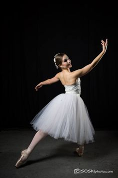 Bay Pointe Ballet dancer Gina Antonucci. Photo credit Stan Olszewski, SOSKIphoto
