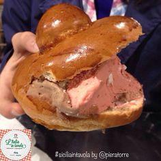 Un classico della pasticceria siciliana è senz'altro la #brioche con il #gelato! #italiaintavola #siciliaintavola #italianfood #italy #sicily