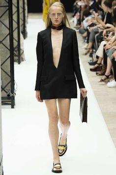 Runway / Acne Studios / Paris / Frühjahr 2015 / Kollektionen / Fashion Shows / Vogue