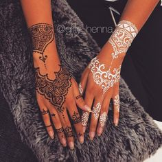 Amazing Advice For Getting Rid Of Cellulite and Henna Tattoo… – Henna Tattoos Mehendi Mehndi Design Ideas and Tips Henna Hand Designs, Mehndi Designs, Henna Tattoo Designs, Beautiful Henna Designs, Henna Designs White, Mehndi Tattoo, Henna Ink, Henna Body Art, White Henna Tattoo