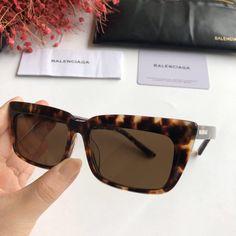 Sunglass Frames, Balenciaga, Wayfarer, Sunglasses, Lady, Jewelry, Style, Cute Sunglasses, Lenses