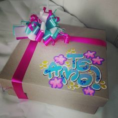 Hermosos detalles 💜 @dulceamor17 | Yooying Furoshiki Wrapping, Gift Wrapping, Birthday Box, Birthday Gifts, Foam Crafts, Diy And Crafts, Craft Gifts, Diy Gifts, Creative Box