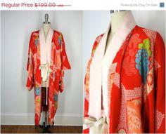 25 OFF SALE  Vintage Silk Kimono / 1920s / Juban by ThisBlueBird, $149.25