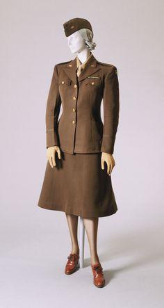 Woman's War Correspondent Uniform Artist/maker unknown, American 1945 Medium: Jacket and skirt: olive green wool; Ww2 Women, Military Women, Military Fashion, 1940s Fashion, Vintage Fashion, Vintage Military Uniforms, Ww2 Uniforms, Vogue, Historical Clothing