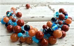 La Corniola: una pietra magica per bijoux di grande effetto La Corniola è legata sin dall'antichità alla vita spirituale dell'Uomo. Ecco due idee per bijoux estivi realizzati con questa pietra: una collana all'uncinetto e un paio di orecchini con nastrini di  #creatività #bijoux #moda #faidate