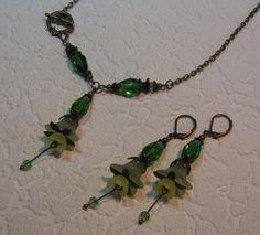 Perlen Schmucksets - Blüten-Ohrringe und Kette, Fairy-Schmuckset - ein Designerstück von Mo-saik bei DaWanda