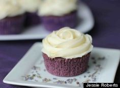 Lavender Cupcakes with Honey Frosting~~~NOW THESE SOUND GREAT! LAVENDER IN BAKED GOODS IS VERY TASTY.