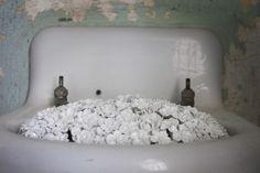 O artista chinês e ativista Ai Weiwei está atualmente preparando uma exibição no que um dia foi o presídio de Alcatraz