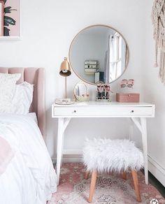 15 Cool Bedroom Vanity Design Ideas - Page 5 of 15 - Bedroom Design Small Bedroom Vanity, Mirror Bedroom, Small Vanity Table, Bedroom Makeup Vanity, Small White Bedrooms, Vanity Bathroom, Diy Vanity Table, White Vanity Desk, Small White Desk