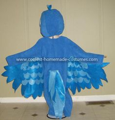 Coolest Blue And Jewel Macaw Costumes from Rio 3: With the popularity of the movie Rio and how much every little one I know LOVES this movie and it's characters, I decided to take my own stab at recreating