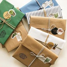 20 Creative Ways To Gift Wrap Your Presents This Christmas - Stickers - - Here are some creative ways to make your Christmas presents extra special this year! Have a look at 20 different ways to gift wrap your presents! Creative Gift Wrapping, Wrapping Ideas, Creative Gifts, Wrapping Gifts, Gift Wrapping Clothes, Creative Gift Packaging, Wrapping Papers, Christmas Gift Wrapping, Christmas Presents