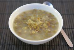 This Vietnamese dessert (Che Dau Xanh) made of mung beans is the easiest dessert to make. Are you thinking...beans? for dessert? Yes, beans are a very common ingredient in Asian desserts and past...