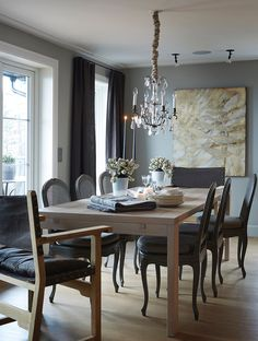 Hus Voksenkollen — Corniche Interior Design Interior Decorating, Interior Design, Dining Room Inspiration, Beautiful Homes, Sweet Home, Dining Table, Rustic, Kitchen, Furniture