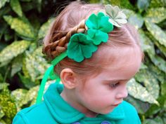 How to Make A Simple Shamrock Headband for St. Patricks Day.