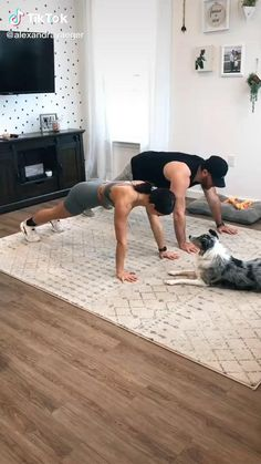 Hiit Workout Routine, Gym Workout Videos, Plank Workout, Easy Workouts, Workout Challenge, At Home Workouts, Workout Men, Week Workout, Dumbbell Workout