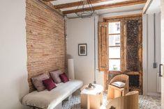 Con muebles de cartón y la instalación vista Oversized Mirror, Interior Design, Grafiti, Chula, Inspiration, Furniture, Home Decor, Cardboard Furniture, Apartments