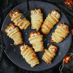 For the ultimate fright night feast our Halloween party food ideas are perfect for any spooky party Farmhouse Halloween, Halloween Food For Party, Sushi, Spices, Asda, Stuffed Peppers, Treats, Vegetables, Fruit