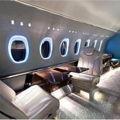 Jet privé : le luxe s'installe Luxury Boat, Luxury Jets, Luxury Private Jets, Private Plane, Luxury Yachts, Luxury Travel, Interior Design Colleges, Best Interior Design, Jets Privés De Luxe