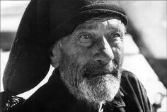 PORTUGAL. Estremadura. Nazare. Old fisherman. 1967 Guy Le Querrec Old Fisherman, Portuguese Culture, Wooden Statues, Perfect People, Big Waves, Fishing Villages, Magnum Photos, Lee Jeffries, Home And Away