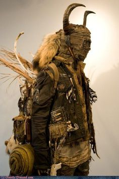 Dystopian Post-Apocalyptic Mecha Nomad Futuristic for cosplay ideas Post Apocalyptic Costume, Post Apocalyptic Fashion, Post Apocalyptic Clothing, Cyberpunk, Diesel Punk, Post Apocalypse, Apocalypse Fashion, Zombie Apocalypse Gear, Apocalypse Costume
