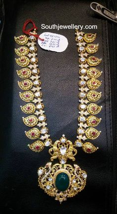 Gold Long Necklace Designs In 100 Grams antique necklace ~ south india jewels Indian Jewellery Design, Indian Jewelry, Jewelry Design, Designer Jewelry, Gold Earrings Designs, Necklace Designs, Bridal Jewelry, Gold Jewelry, Lotus Jewelry