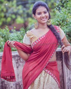 Beautiful Girl Photo, Beautiful Girl Indian, Most Beautiful Indian Actress, Beautiful Saree, Beautiful Pictures, Bollywood Actress Hot, Tamil Actress, Stylish Girl Images, Beautiful Figure