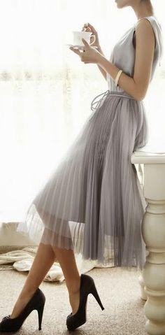 szara plisowana spódnica