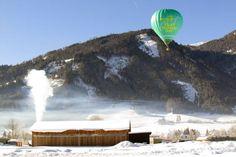 Tiefschneefahrten: Mauterndorf ist nicht nur ein beliebtes Wintersportziel - hier kann man auch Ballonfahrer bestaunen. Mehr über dieses tolle Reiseziel in unserem Urlaubs-Ratgeber